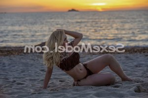 Thana massage sexe sexemodel