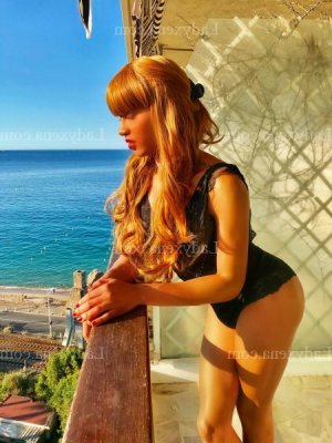 Louliana massage naturiste lovesita escorte à Sigean