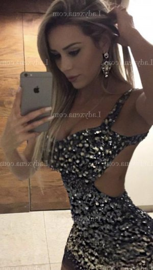 Marah escorte massage érotique sexemodel à Saint-Christol-lès-Alès