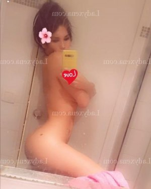 Oxane massage sexe à Briey